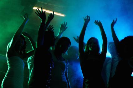 artisti-petrecere-party-aniversare